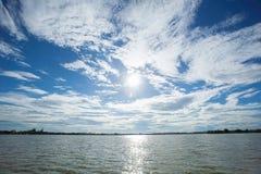 härliga bakgrunder för blå himmel Royaltyfria Foton
