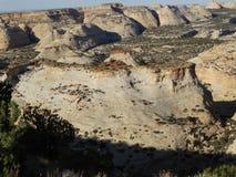Härliga berg och vaggar format i utah och nevada Arkivfoto