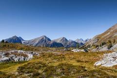 Härliga berglandskap i höst Arkivbilder