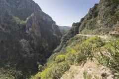 Härliga berglandskap på Preveli i Kreta, Grekland Fotografering för Bildbyråer