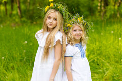 Härliga blonda flickor Royaltyfri Bild