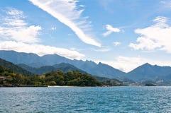 Härliga Cloudscape ovanför brasilianlandskap Fotografering för Bildbyråer