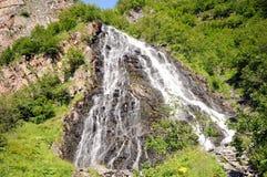härliga columbia faller klyftahorsetailen många vattenfall en Royaltyfria Foton