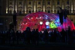 Härliga färgrika ljus på Festder Freude på Heldenplatz i V arkivbild