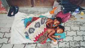 Härliga fattiga ungar av Katmandu Royaltyfri Fotografi