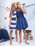 härliga flickor teen två Royaltyfri Foto