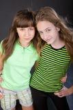 härliga flickor två barn Royaltyfri Foto