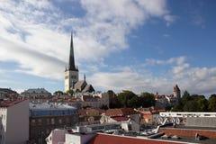 24-27 08 2016 härliga flyg- horisontpanorama för scenisk sommar av den gamla staden i Tallinn, Estland Royaltyfri Bild