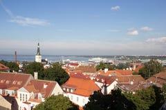 24-27 08 2016 härliga flyg- horisontpanorama för scenisk sommar av den gamla staden i Tallinn, Estland Arkivfoton