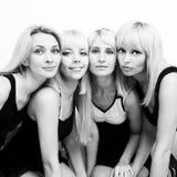 härliga fyra kvinnor Fotografering för Bildbyråer