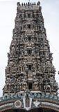 Härliga Gopuram av en hinduisk tempel arkivfoto