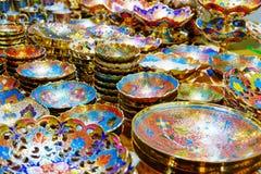 Härliga guld- koppar och tillbringare Royaltyfria Foton