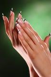 härliga händer spikar Royaltyfri Foto