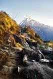 Härliga Himalayan berg arkivfoto