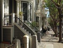 Härliga hus i den Hayes gatan San Francisco arkivbilder