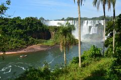 Härliga Iguazu Falls i Argentina Sydamerika arkivfoton