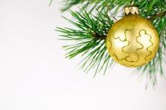 Härliga julbollar på en vit bakgrund Arkivbild