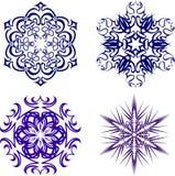 härliga julsnowflakes Färdig uppsättning från 4 saker 5 Arkivfoton