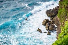 Härliga klippor i Bali Arkivfoto