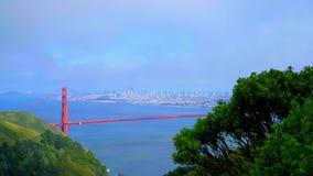 Härliga kullar av Marin Headlands och batteriet parkerar i San Francisco lager videofilmer