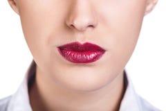 Härliga kvinnakanter med ljus lipstik royaltyfri foto