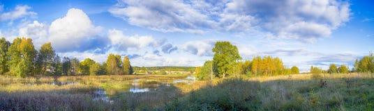 Härliga landskap av naturen av Vitryssland Arkivfoton