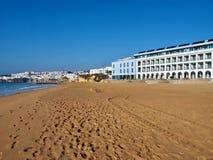 Härliga Long Beach i Albufeira i Portugal royaltyfri bild