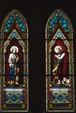 Härliga målad glasgarneringar på katolska kyrkan, Thailand Arkivfoto