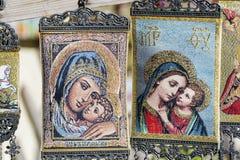 Härliga målade hängande grekiska symboler Fotografering för Bildbyråer