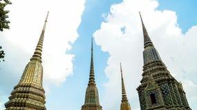 Härliga Maha Chedi Si Ratchakan på Wat Pho i Bangkok Arkivbild