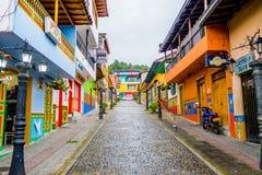 Härliga och färgrika gator i Guatape Royaltyfri Fotografi