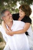 härliga par älskar moget royaltyfri fotografi