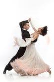 Härliga par i den aktiva balsaldansen Royaltyfri Bild