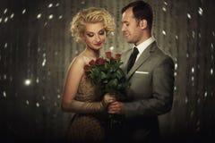 Härliga par tillsammans royaltyfria bilder