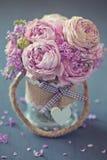 härliga rosa ro royaltyfria foton