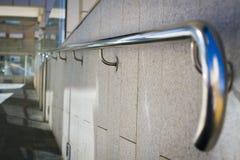 Härliga rostfritt stålräcke Royaltyfri Foto