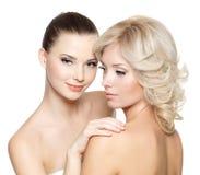 Härliga sexiga unga kvinnor Royaltyfria Bilder