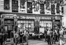 Härliga Sherlock Holmes Pub i London - LONDON - STORBRITANNIEN - SEPTEMBER 19, 2016 Fotografering för Bildbyråer