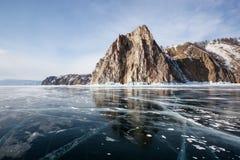 Härliga sikter av den Lake Baikal vintern Arkivfoto