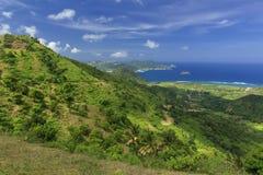 Härliga sikter av kullarna av Sekotong med blå himmel Royaltyfria Foton