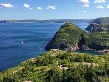 Härliga sikter som fotvandrar ostkusten, skuggar av kusten av nytt royaltyfria foton