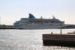 Härliga skepp och kryssningeyeliner Arkivfoto