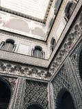 Härliga slottdetaljer i Sevilla Spain Arkivfoto