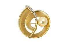 Härliga smycken - guld- brosch som isoleras över vit royaltyfria foton