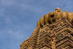 Härliga sned forntida Jain tempel som konstrueras i den 6th århundradeANNONSEN i Osian, Indien Royaltyfri Foto