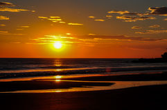 Härliga solnedgångar av Playa El Zonte, El Salvador Royaltyfri Fotografi