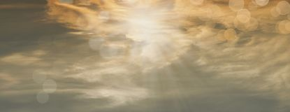 Härliga solstrålar med orbs Royaltyfri Foto