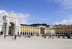 Härliga Sunny Day, Lissabon - kommersfyrkant Royaltyfria Bilder