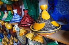 Härliga tajines i marknaden, Marocko Arkivbild