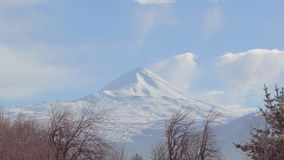 Härliga Timelapse av Volcano Llaima, Chile lager videofilmer